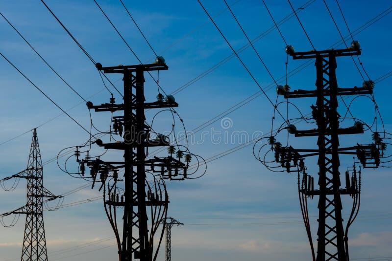 Equipamento de uma alta tensão de redes elétricas foto de stock