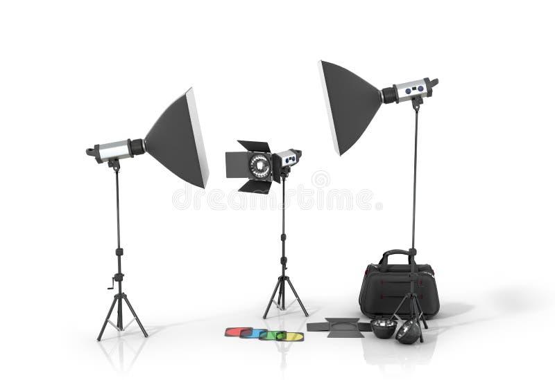 Equipamento do estúdio da foto em um bacground branco foto de stock royalty free