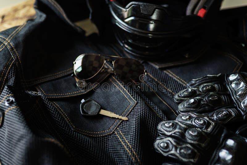 Equipamento do motociclista e dos acessórios foto de stock