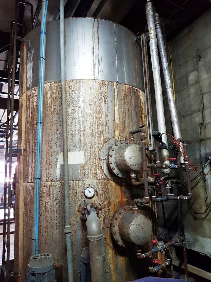 Equipamento do tanque de água quente imagens de stock royalty free