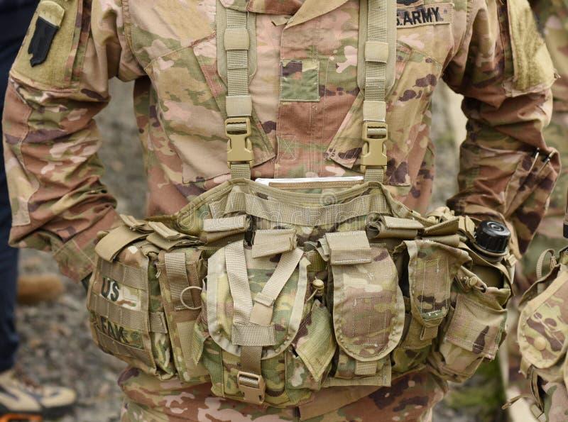 Equipamento dos soldados dos E.U. Exército dos EUA Uniforme militar dos E.U. Tropas dos E.U. imagens de stock royalty free