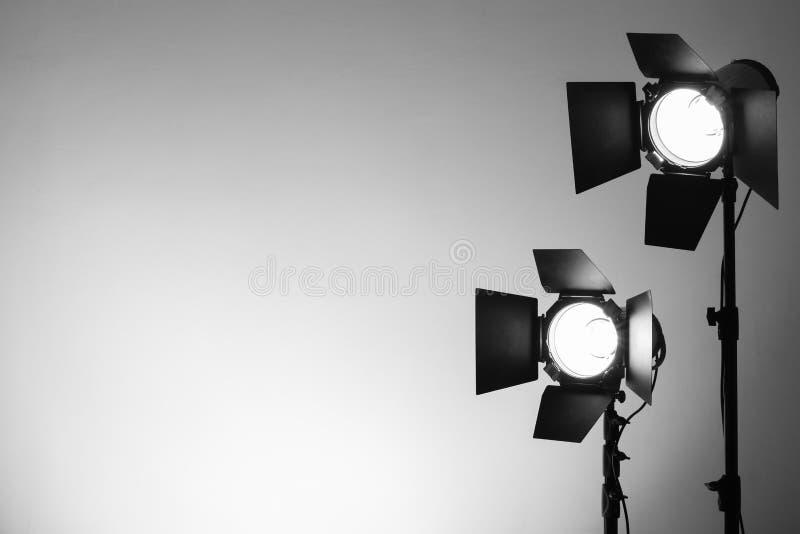 Equipamento para estúdios da foto e fotografia da forma imagens de stock royalty free