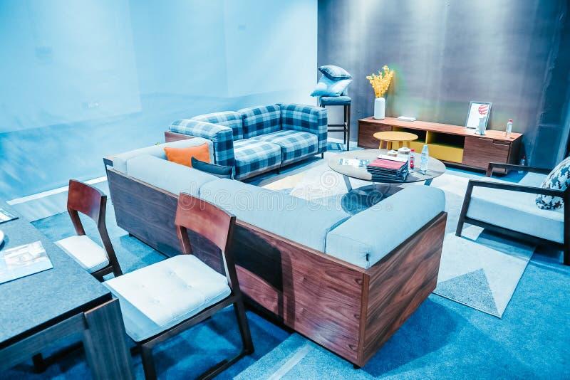 Equipamiento del sofá-hogar de la sala de estar imágenes de archivo libres de regalías