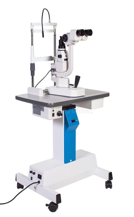 Equipamiento médico moderno - microscopio quirúrgico de la operación de la oftalmología aislado imagen de archivo libre de regalías
