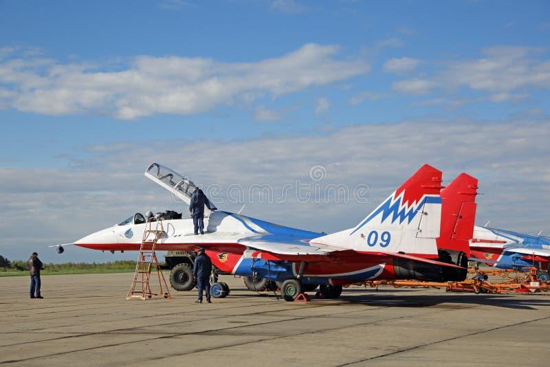 Equipe aerobatic de Swifts imagens de stock royalty free