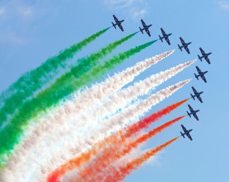 Equipe aerobatic italiana na ação imagens de stock