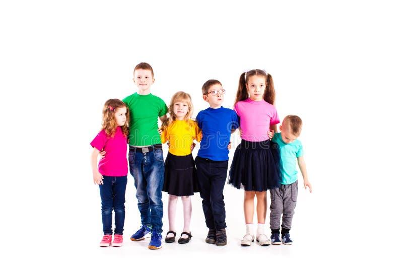 Equipe amigável dos meninos e das meninas imagens de stock royalty free