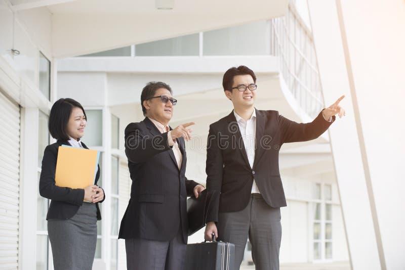 Equipe asiática do negócio exterior fotografia de stock