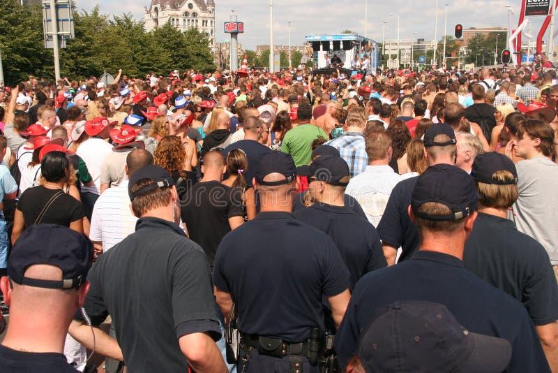 Equipe da polícia na patrulha imagens de stock