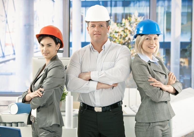 Equipe do arquiteto no escritório foto de stock