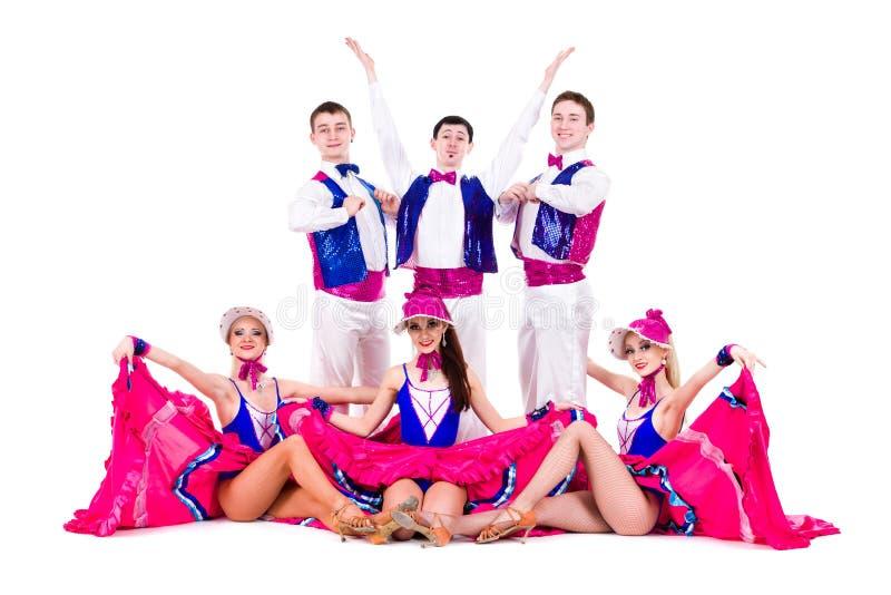 Equipe do dançarino da taberna vestida em trajes do vintage imagem de stock
