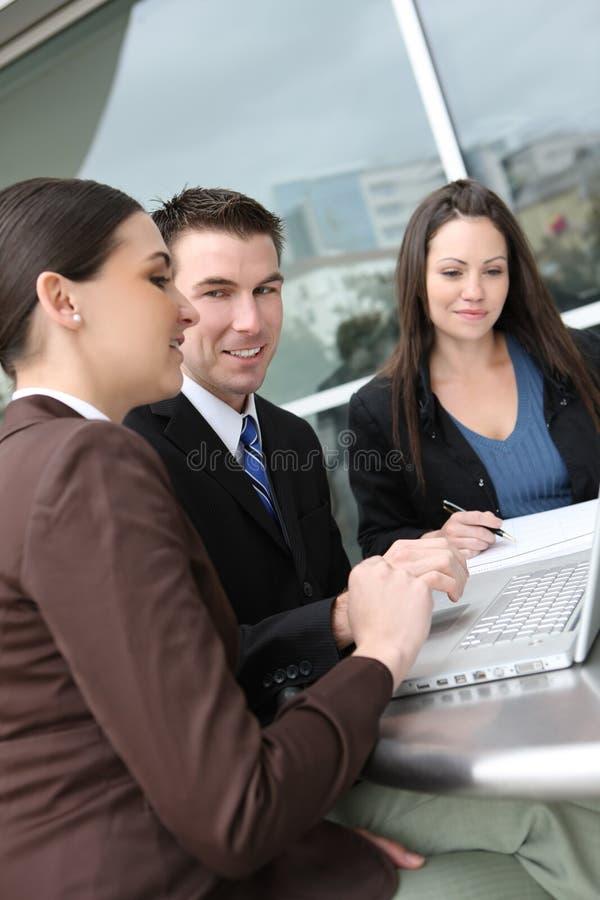 Equipe do negócio do homem e da mulher foto de stock