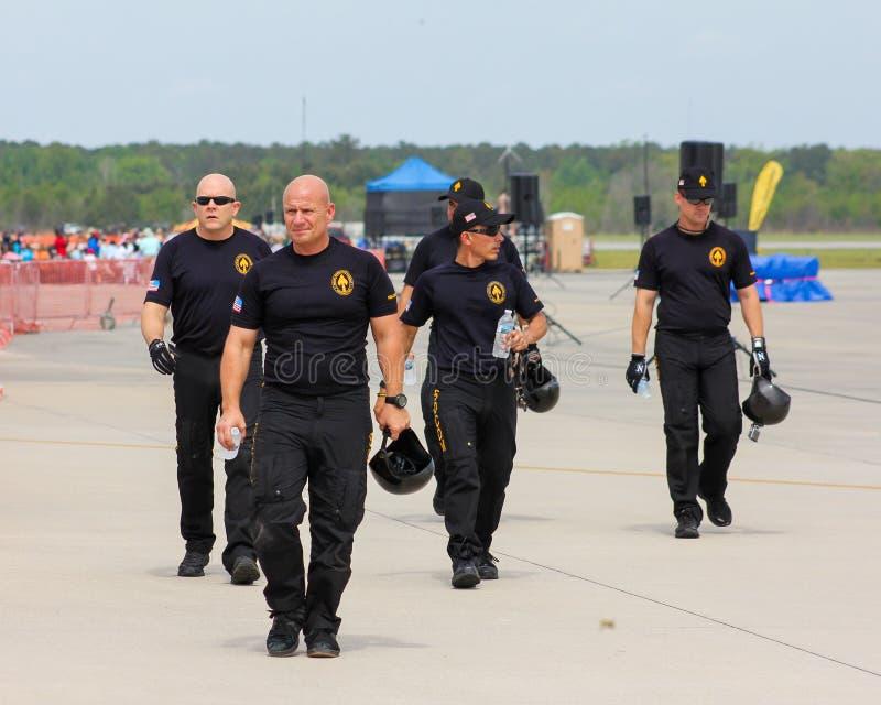 Equipe do paraquedas do exército de Estados Unidos foto de stock royalty free