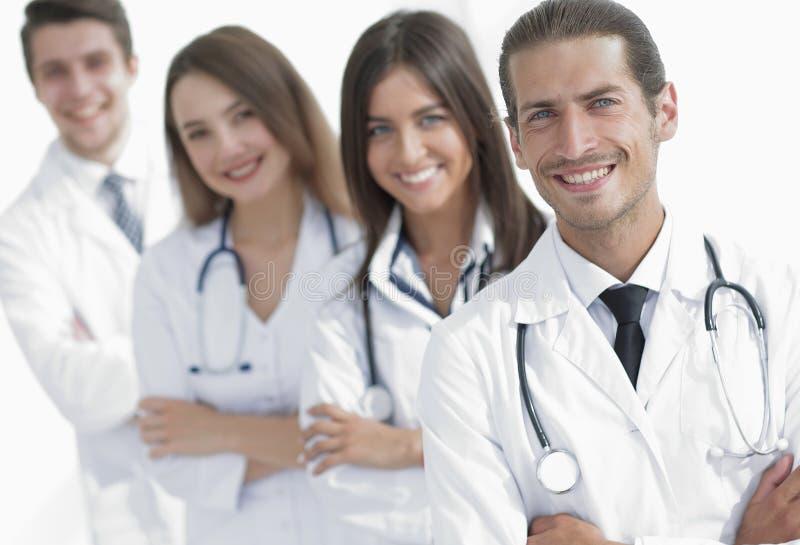 Equipe dos doutores e das enfermeiras como colegas no hospital fotografia de stock royalty free