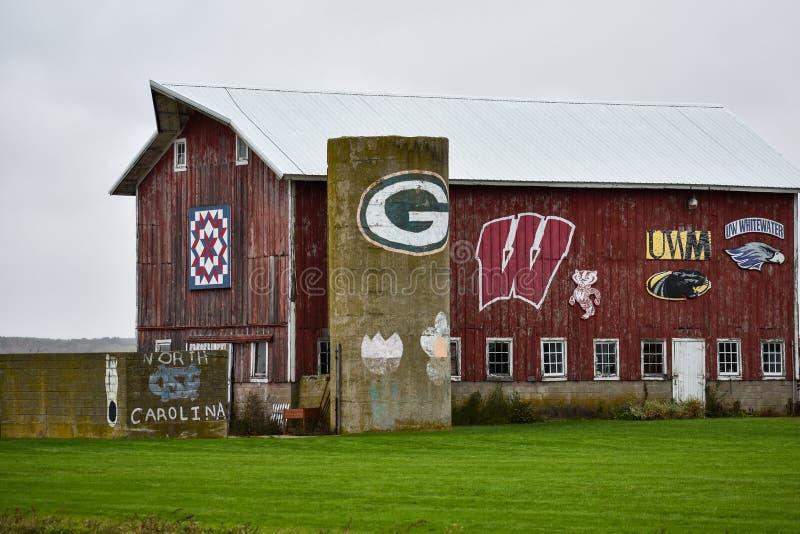 Equipe esportiva Iconic Wisconsin em um celeiro no Condado de Walworth fotos de stock royalty free