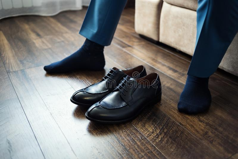 Equipe a forma, acessórios do ` s dos homens, sapatas da roupa do homem de negócios, Politi imagem de stock