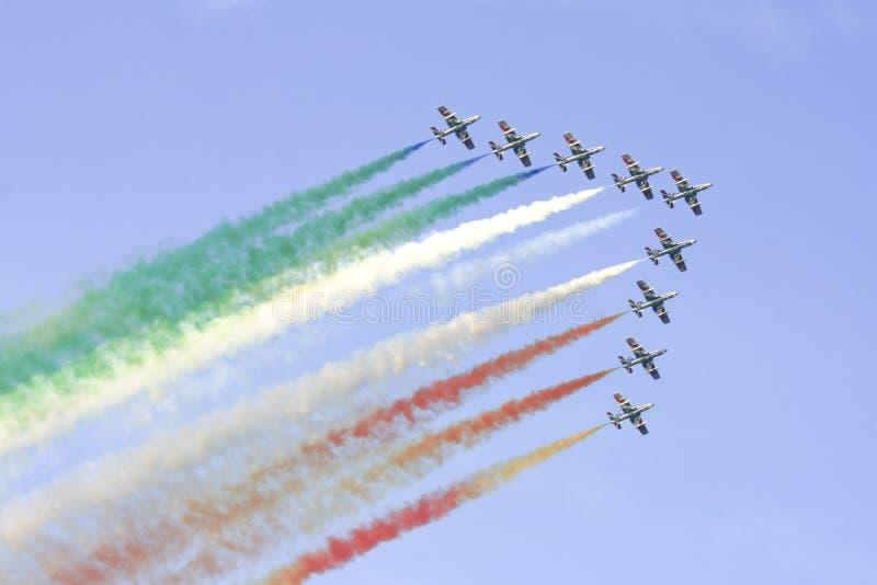 Equipe italiana do esquadrão de Frecce Tricolori imagens de stock
