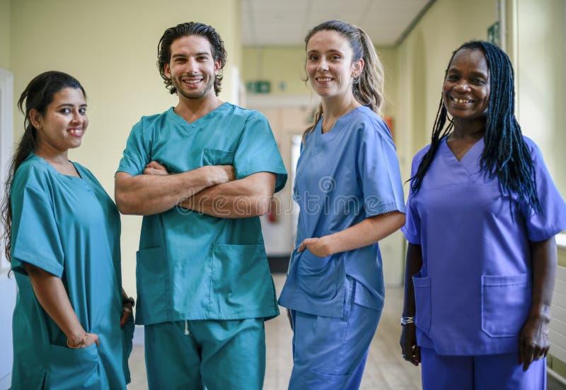 Equipe médica em um hospital imagens de stock royalty free