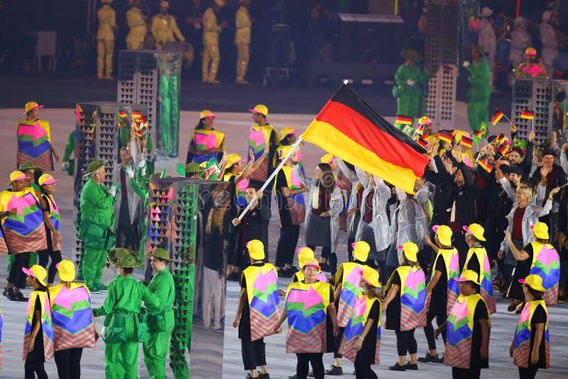 A equipe olímpica Alemanha marchou na cerimônia de inauguração dos Olympics do Rio 2016 imagem de stock