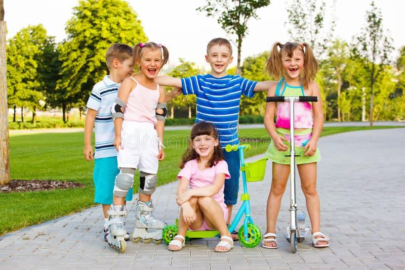 Equipe pré-escolar feliz fotografia de stock