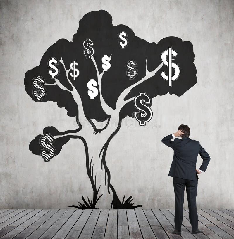 Equipe a vista do esboço da árvore do dólar com si preto e branco do dólar imagens de stock