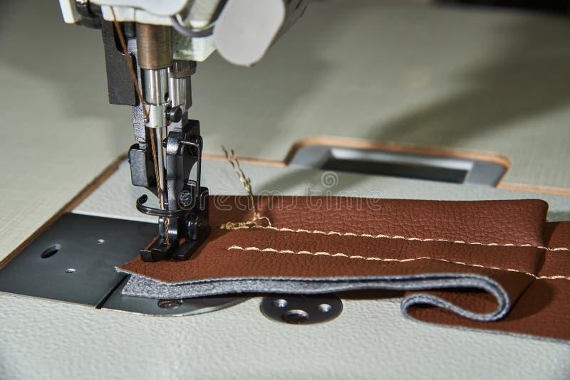 Equipo de costura profesional Pie de máquina de coser fotografía de archivo libre de regalías