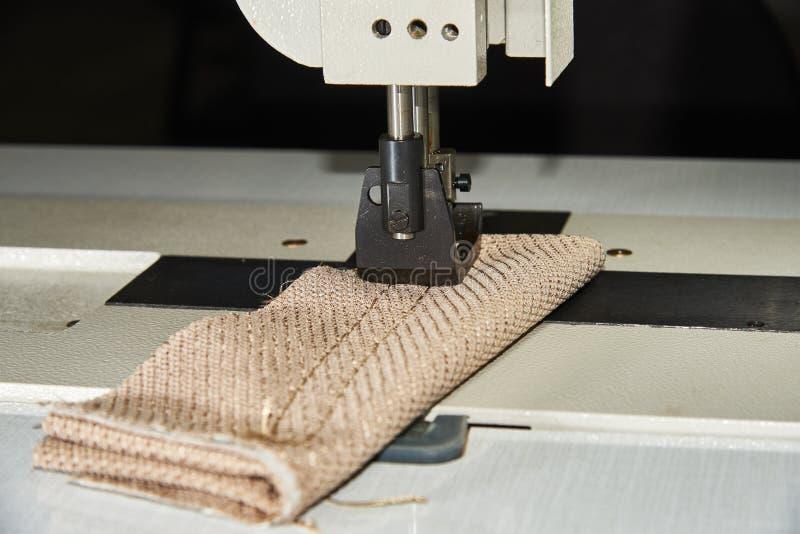 Equipo de costura profesional Pie de máquina de coser fotografía de archivo