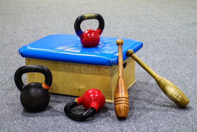 Equipo de deportes - entrenamiento - gimnasia foto de archivo libre de regalías