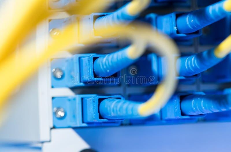 equipo de fibra óptica de la tecnología de la información fotografía de archivo