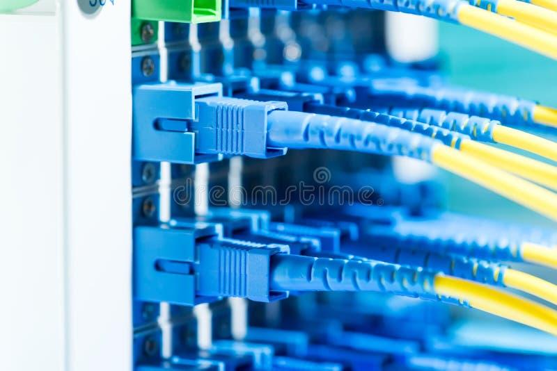 equipo de fibra óptica de la tecnología de la información foto de archivo