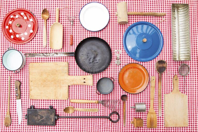 Equipo de la cocina del vintage imagenes de archivo