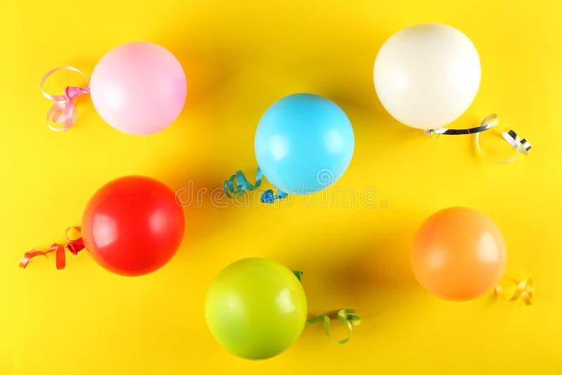 Equipo de la fiesta de cumpleaños con el espacio de la copia fotografía de archivo