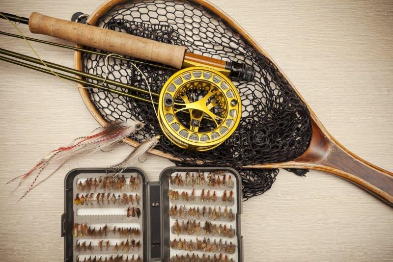 Equipo de la pesca con mosca fotografía de archivo libre de regalías