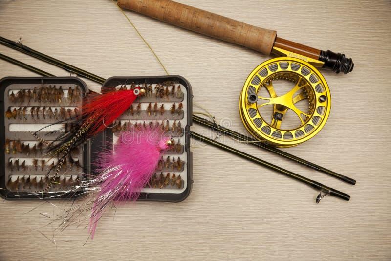 Equipo de la pesca con mosca imagen de archivo libre de regalías