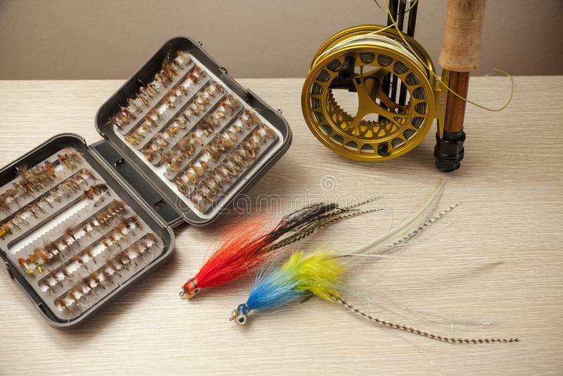 Equipo de la pesca con mosca foto de archivo libre de regalías