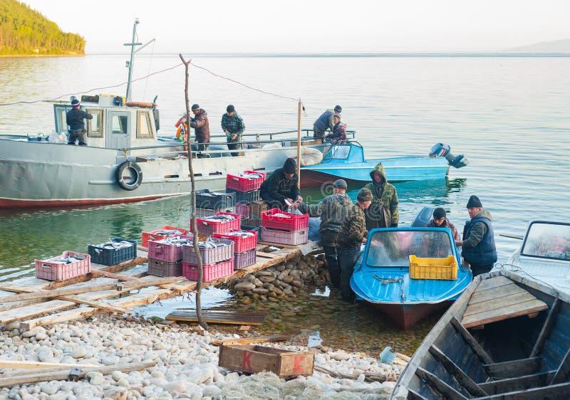 Equipo de la pesca en el trabajo fotos de archivo