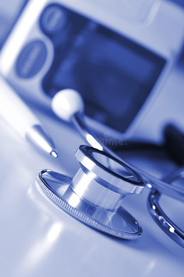 Equipo de la presión arterial imagen de archivo libre de regalías