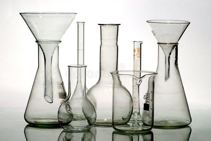 Equipo de laboratorio de cristal foto de archivo