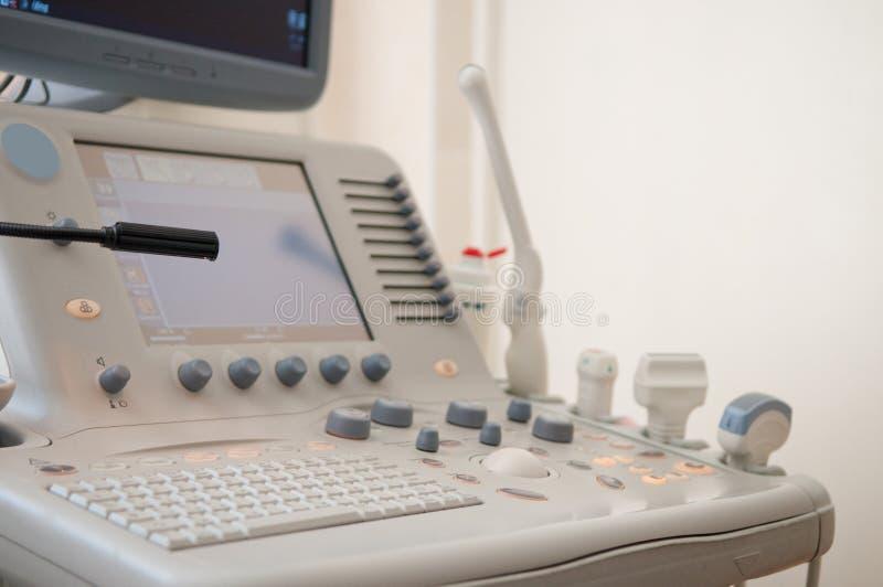 Equipo de los diagnósticos del ultrasonido fotos de archivo