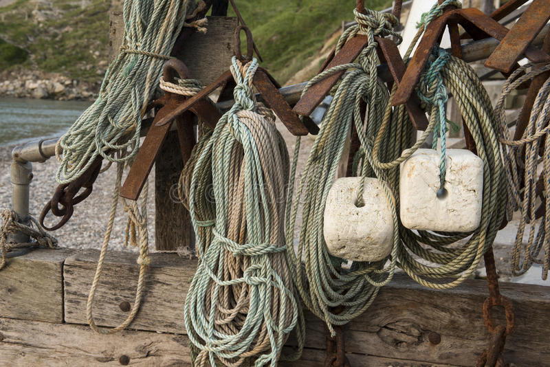 Equipo de pesca de la ensenada de Lulworth fotos de archivo libres de regalías