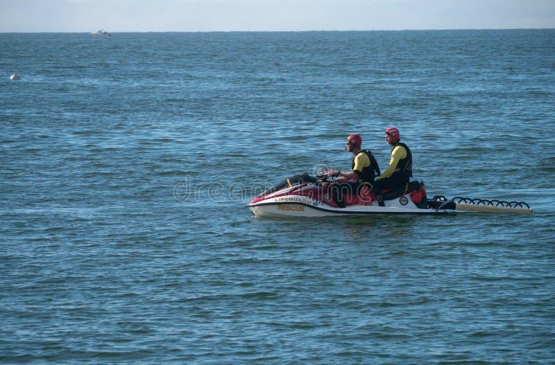 Equipo de rescate del guardia de vida en SeaDo fotos de archivo