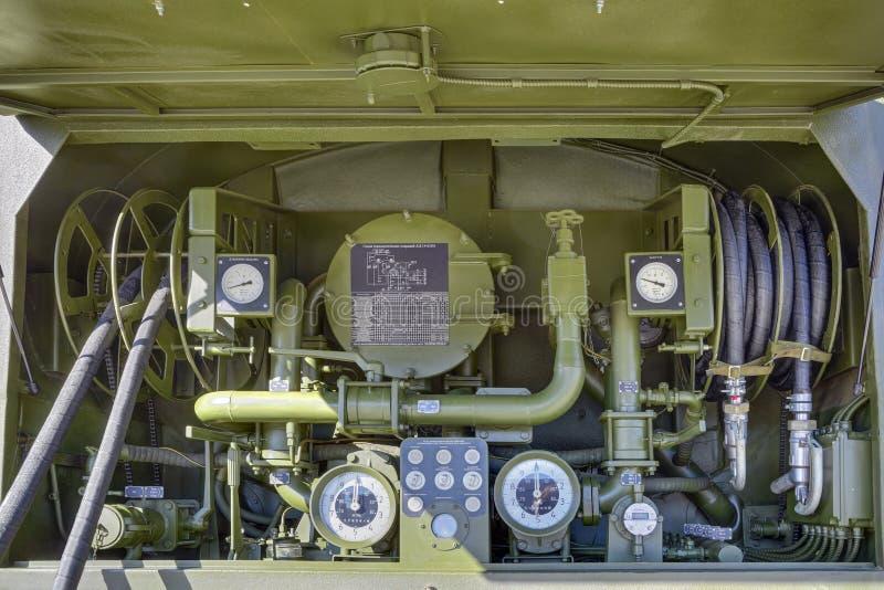 Equipo del vehículo que aprovisiona de combustible fotos de archivo libres de regalías