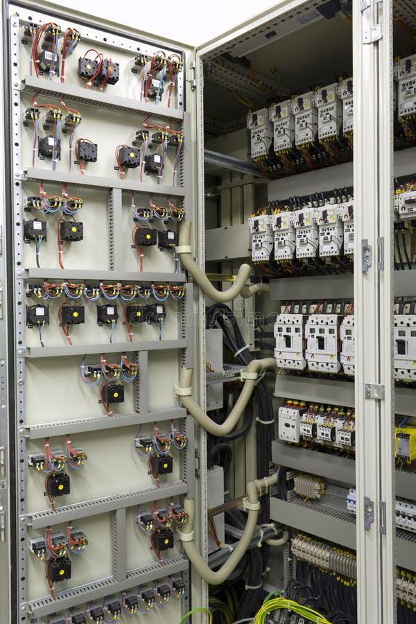 Equipo eléctrico de la automatización y del control imagen de archivo