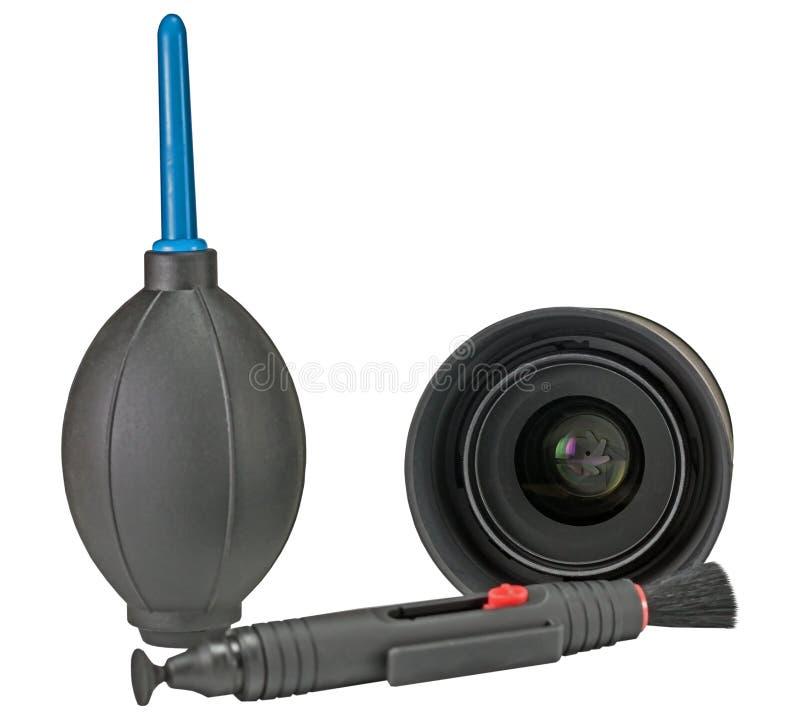 Equipo para la cámara digital de limpieza de la lente en blanco fotos de archivo libres de regalías