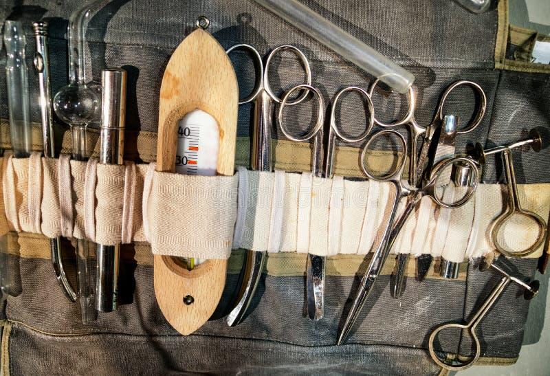 Equipo viejo de la medicina imagen de archivo libre de regalías
