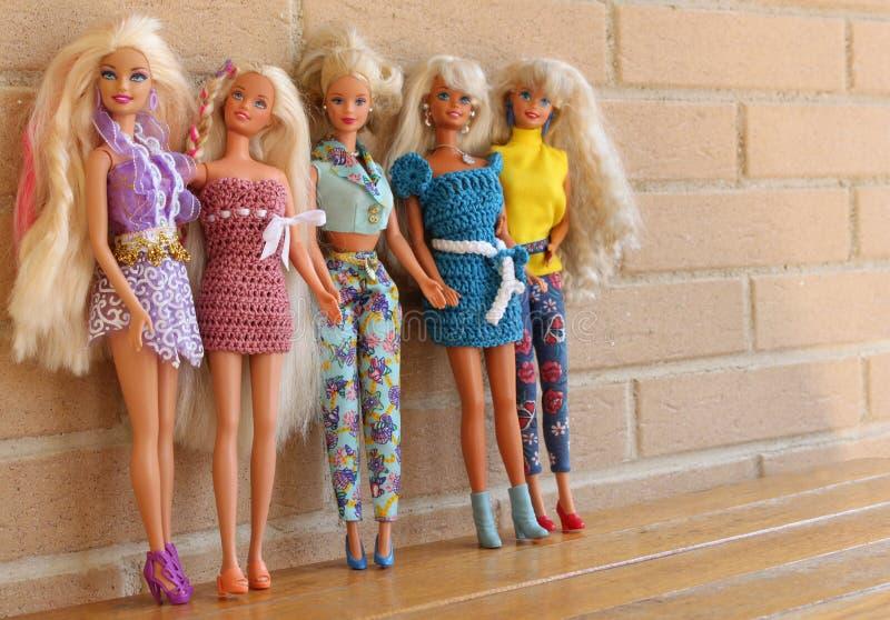 Equipos 80s y 90s de la pizca de las muñecas de Barbie fotografía de archivo