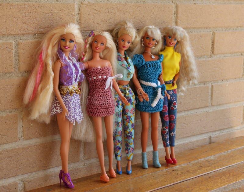 Equipos 80s y 90s de la pizca de las muñecas de Barbie imágenes de archivo libres de regalías