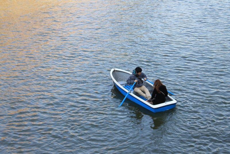 A equitação do barco fotografia de stock