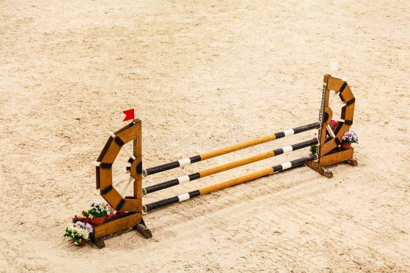 equitation Hinder för att hoppa hästar arkivfoton