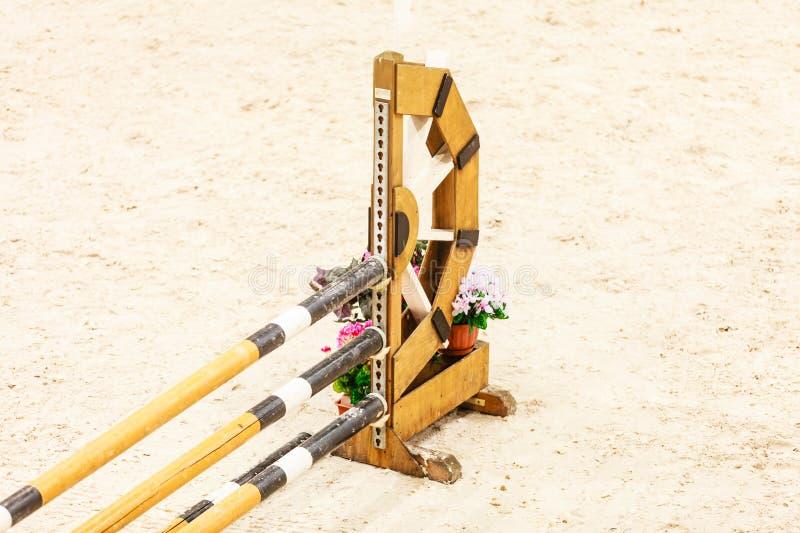 equitation Ostacolo per i cavalli di salto fotografia stock libera da diritti